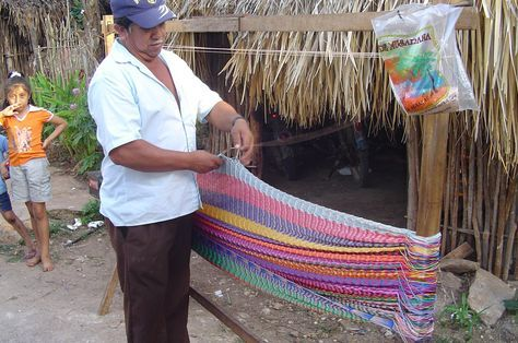 Instructions on weaving a Mayan hammock with the traditional triple weave.