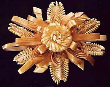 Quilled straw brooch, Veronica Main