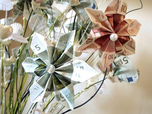 Ramos con billetes ideas ingeniosas pinterest - Ideas para regalar dinero en una boda ...