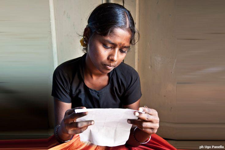 Se ogni tre analfabeti nel mondo due appartengono al genere femminile, significa che l'inclusione sociale di una donna non può prescindere dall'istruzione.