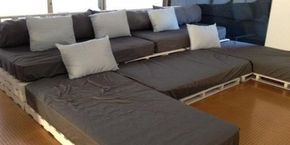 sofá con palets                                                       …