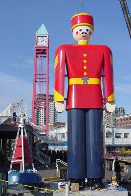 World's largest tin soldier~
