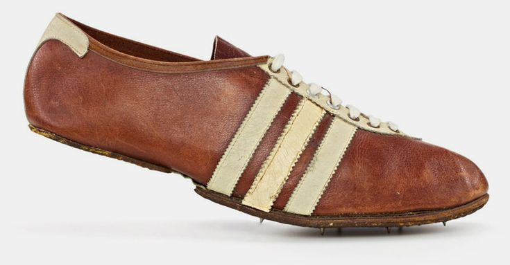 modell waitzer – 1948, sprint shoe with additional third stripe