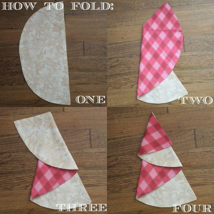 como doblar una servilleta en la mesa de Navidad                                                                                                                                                                                 Más