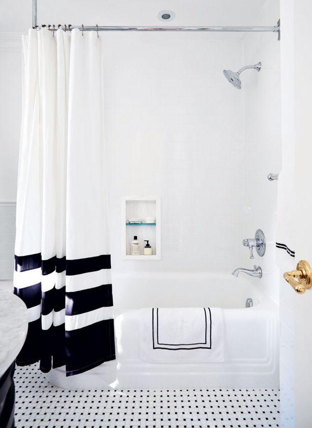 D co de salle de bains graphique en noir et blanc for Decormag salle de bain