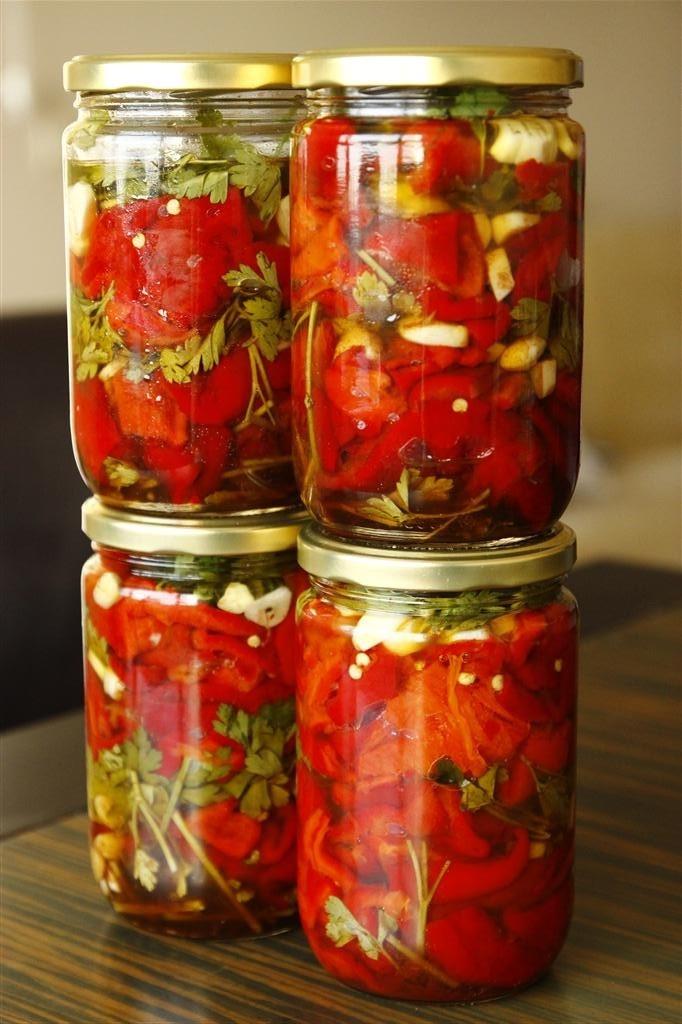 közlenmiş kırmızı biber konserve