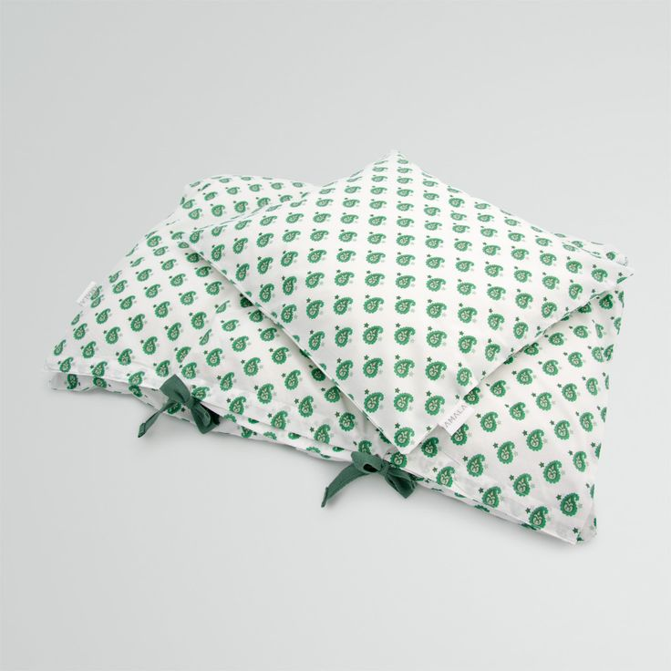 'Star Green' childrens bedding - 100% organic cotton GOTS Certified.