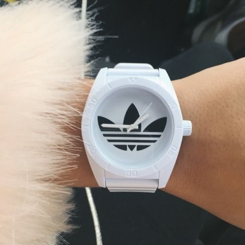 g0ldbless:  I love the new watch my girlfriend bought me!