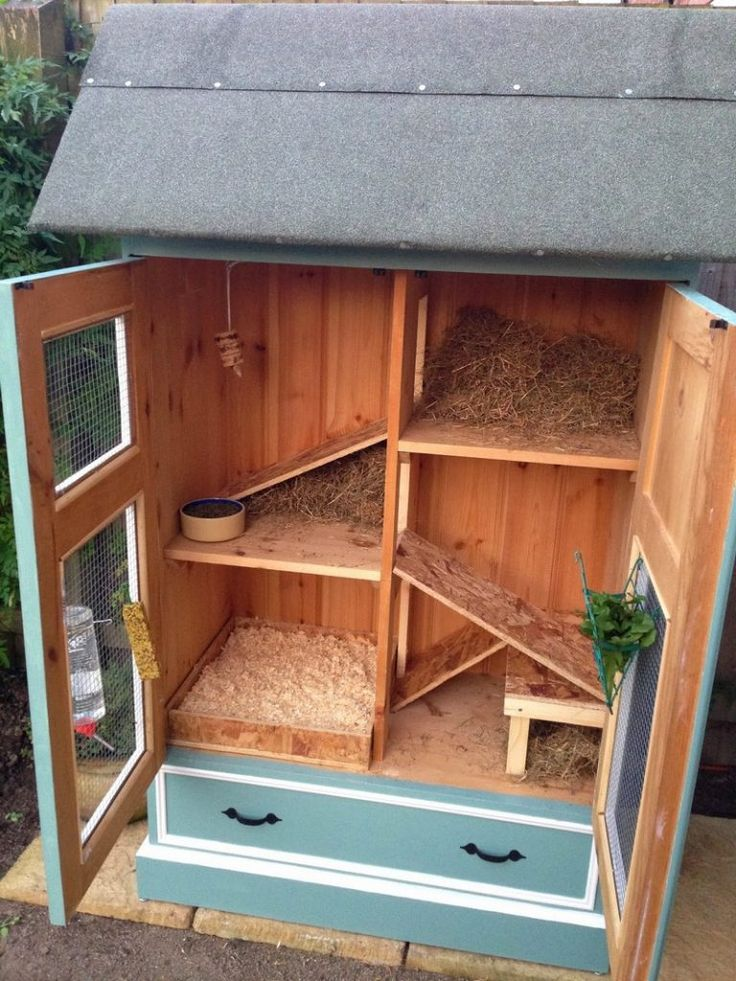 The 25 best ideas about rabbit hutches on pinterest for Diy guinea pig cage from dresser