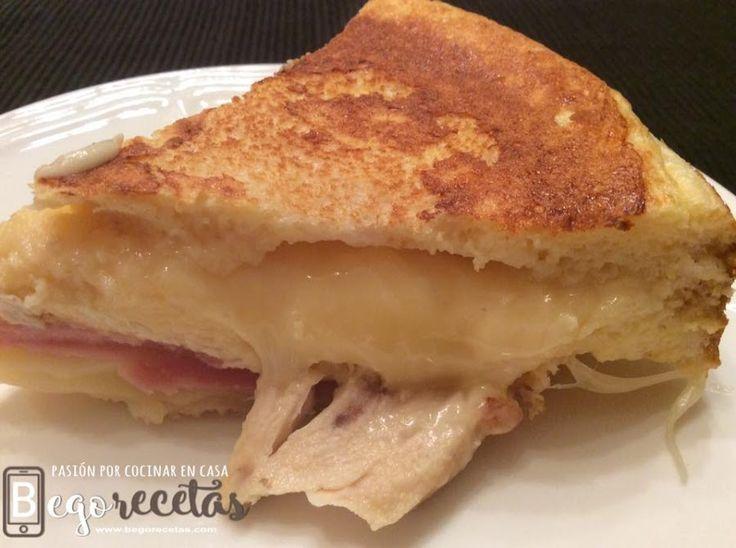 Sandwichón de pollo escalfado, queso y jamón de york | Cocina