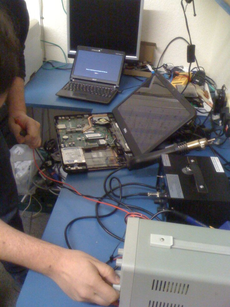 We're not afraid to get right into the nitty-gritty of your laptop problems! Book an appointment with Sotiris now! E-mail computer@remadeinedinburgh.org.uk for your FREE diagnosis.