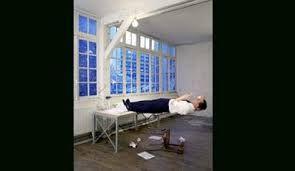 """Résultat de recherche d'images pour """"philippe ramette balcon"""""""