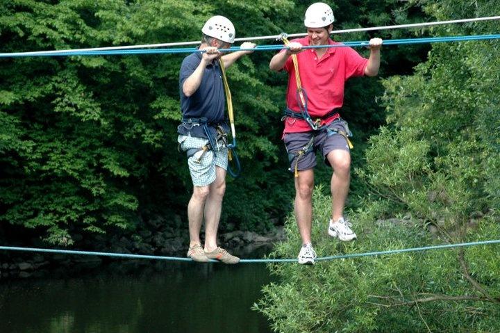 De touwbrug in de Ardennen.  www.sportersunited.nl