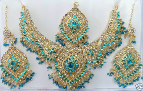 b-7010-Bollywood-Diamante