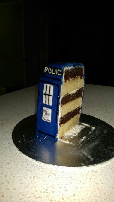 Doc who cake