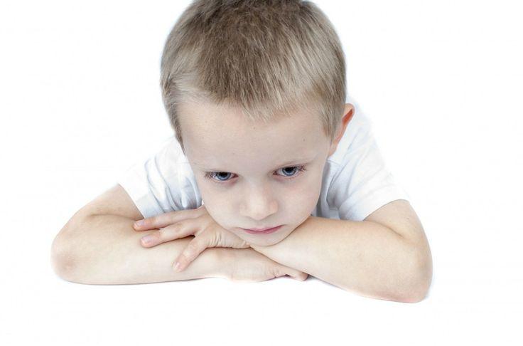 """Ati auzit vreodata de expresia """"the terrible twos""""? Defineste perioada prin care trece copilul in jurul varstei de doi ani. E un prag psihologic pe care il depaseste si isi alege uneori metode mai …"""