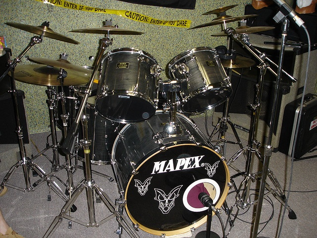 I have a Mapex Drum Kit that needs some TLC but i love drums too!