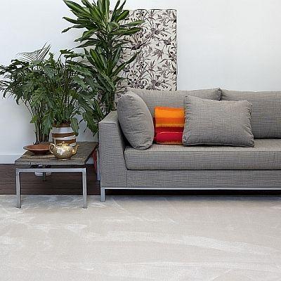 VANITY är en tät, supermjuk och extra stark matta med en vacker glans.