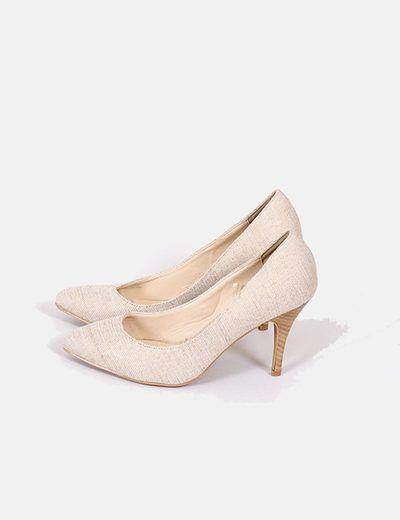 Zapatos beiges con brillos dorados Marypaz