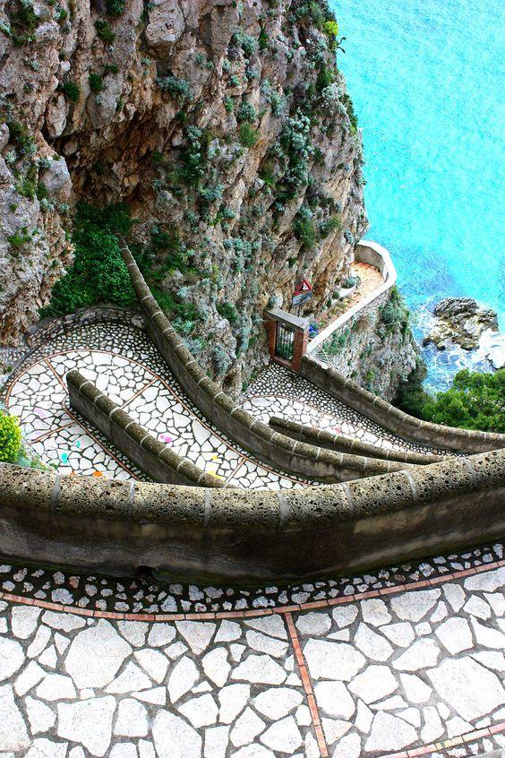 Via Krupp, Isle of Capri, Italy. (Photo: exquisitecoasts.com)