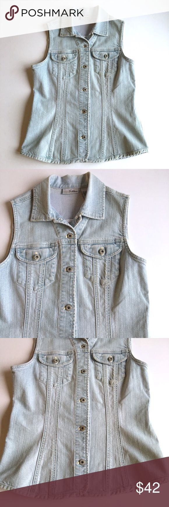Chico's Platinum Sleeveless Jean Jacket Chico's platinum Sleeveless Jean jacket // Chico's sz 0. Regular size XS or 4, according to Chicos sizing chart // 98% cotton, 2% spandex Chico's Jackets & Coats Jean Jackets