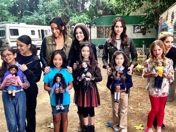 """Why do the Liars have mini-mes? Were they just wandering around a trailer park? And why are their clothes so cute? 
