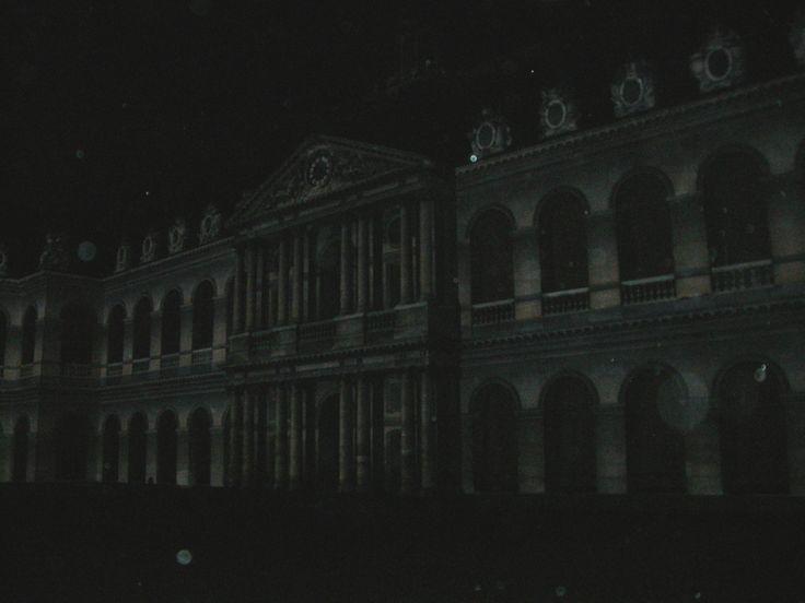 La nuit aux Invalides, spectacle son et lumière, excellent, mais le même que celui de l'an dernier.