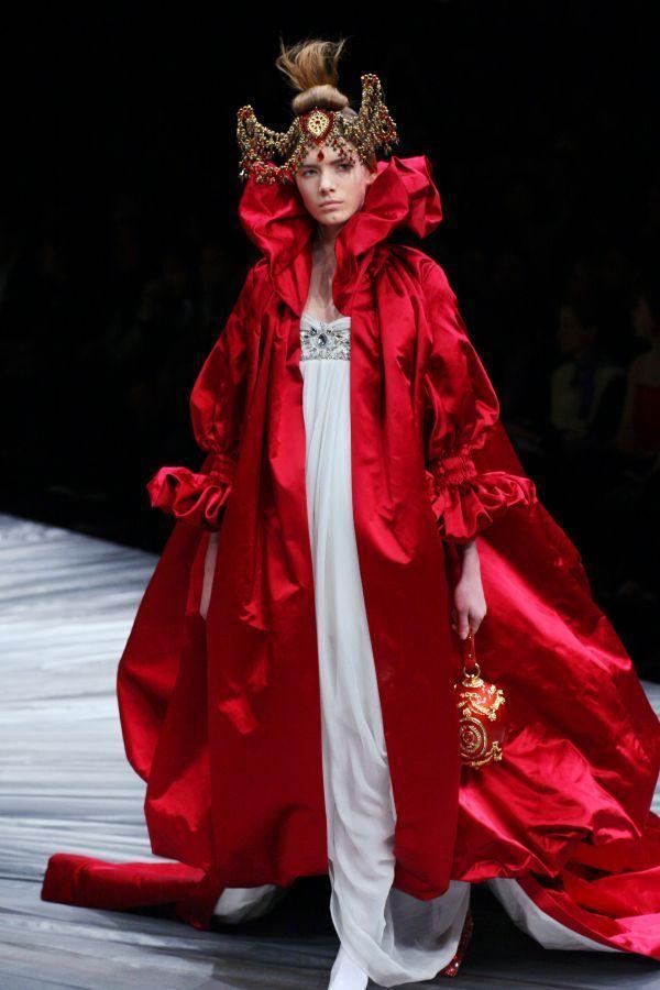 Alexander McQueen fashion 2008