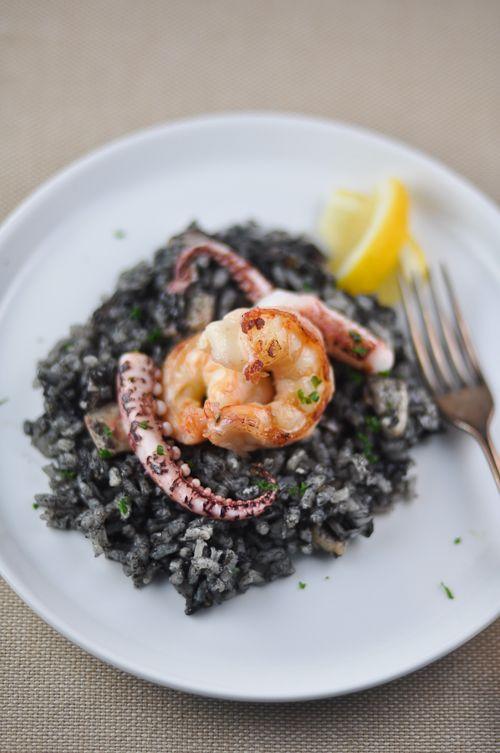 arroz negro: paella with squid ink. #foodporn #yummy