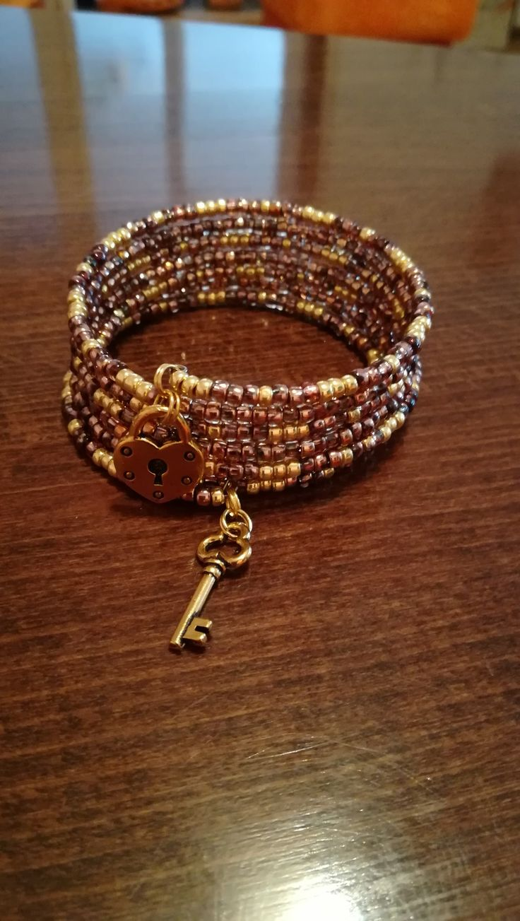 Memory wire bracelet (Zuzka)