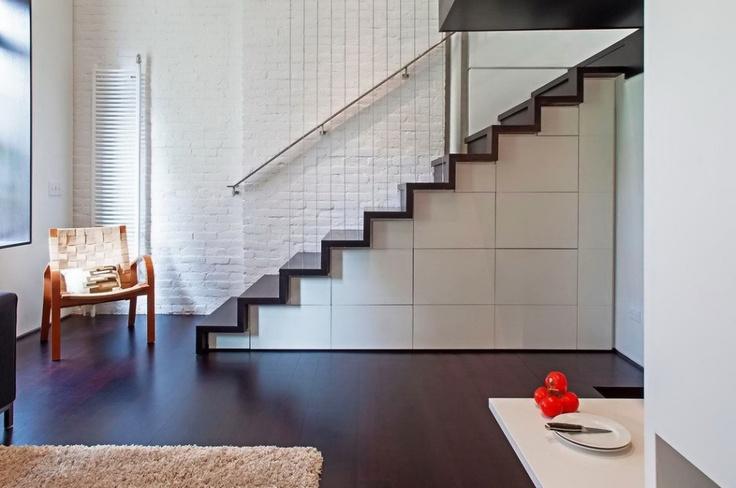 Dulapurile tradiționale nu își au locul într-un apartament de mici dimensiuni