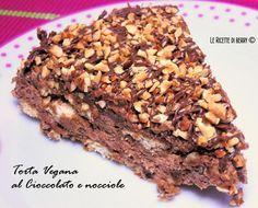 Torta Vegan senza cottura al cioccolato e nocciole, golosissima e facile da preparare, bastano 10 minuti, poi due ore in frigo e ve la gustate, una delizia