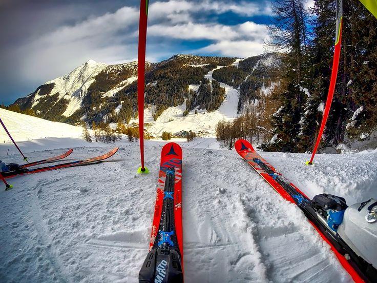 Idealne miejsce na zakupy dla każdego  fana sportów zimowych ⛷ ⛷ ❗❗ Znajdziesz tu produkty wiodących marek w cenach wyprzedażowych 🔝🔝 które pozwolą zaoszczędzić twoje pieniądze!  Deski snowboardowe, narty, buty narciarskie, wiązania, ochraniacze, gogle, łyżwy, sanki to wszystko w jednym miejscu  w atrakcyjnych cenach ✂