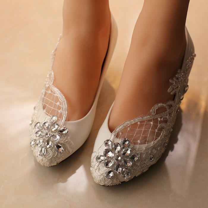 白いウェディングシューズメス新婦付添人の靴ラインストーンブライダルシューズポンプの編み上げ靴