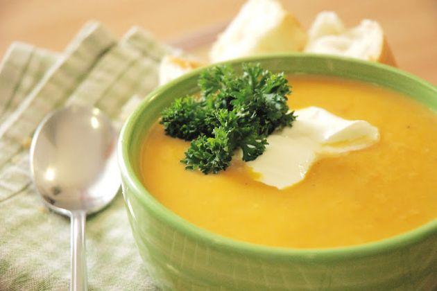 Mrkvová polévka se zázvorem - Sklizeno
