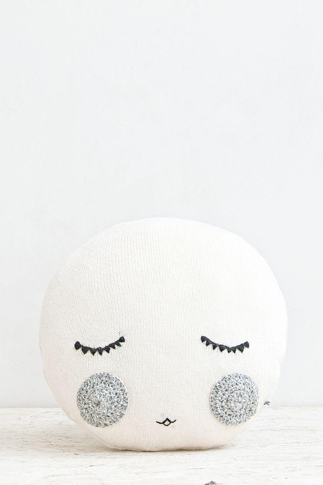 Goodnight cushion   Studio meez