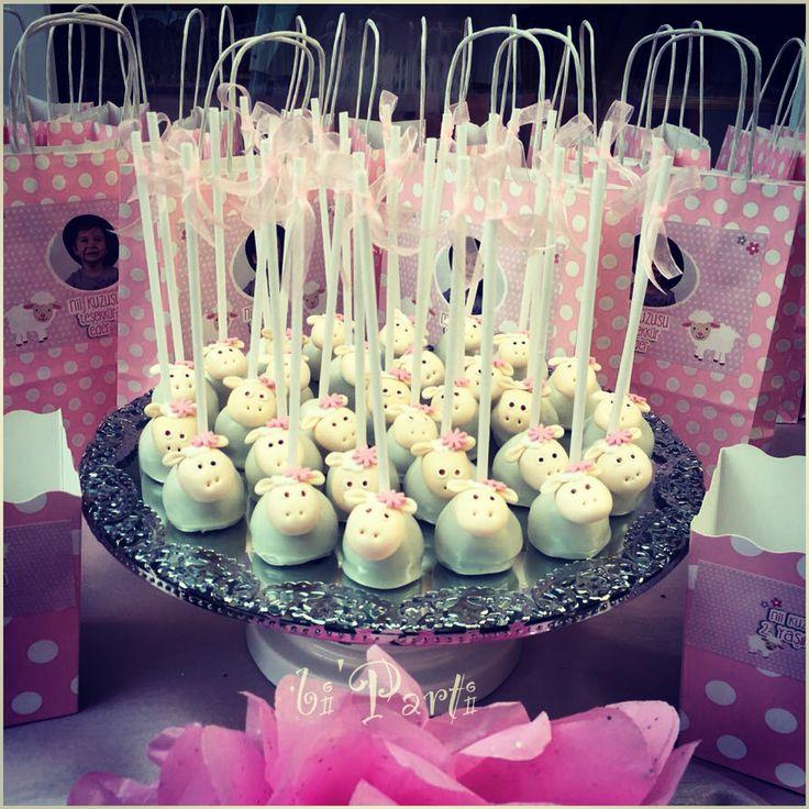 Cakepops. Popcakes. Sheep cakepops. Sheep party ideas. Sheep theme.