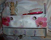 Nábytok - Vešiak so šuflíkmi s orchideami - 4838572_