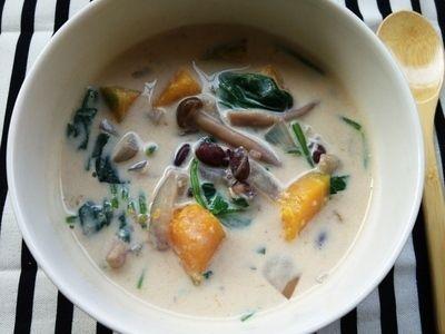 徐々に気温が上がり薄着になってくると、気になるのがダイエット。「ヘルシー」「低カロリー」「デトックス」なんてワードについつい目がいってしまう人も多いのでは?そんな方におすすめなのが「豆乳スープ」。タンパク質が豊富な豆乳と、ビタミン・ミネラルたっぷりの野菜を組み合わせれば、ダイエットにぴったりのスープに!おいしく食べてデトックスしましょう♪