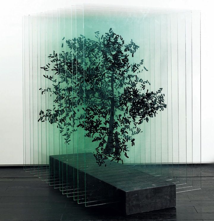 Using delicate materials like layers of glass or paper, artist Ardan zmenoglu redefines everyday objects in her visually complex sculptures. In these tree sculptures, the Turkish artist breaks the object down into rows of hand-painted glass. A single sheet appears to be completely abstract, however, by combining the fragmented parts into repetitive rows, she gives …