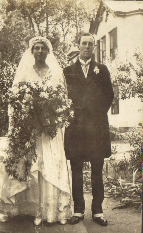 Jervis Molteno & Islay Bisset at their wedding, Cape Town, 16 December 1916