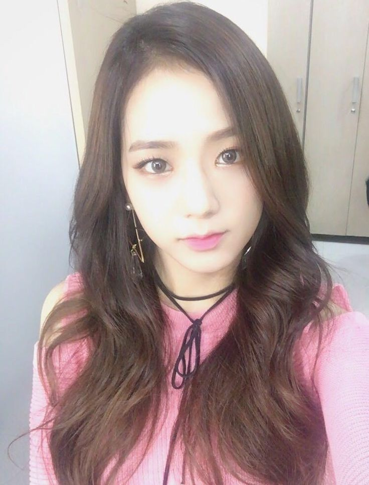 Jisoo from Blackpink who looks like Taeyeon from SNSD in this