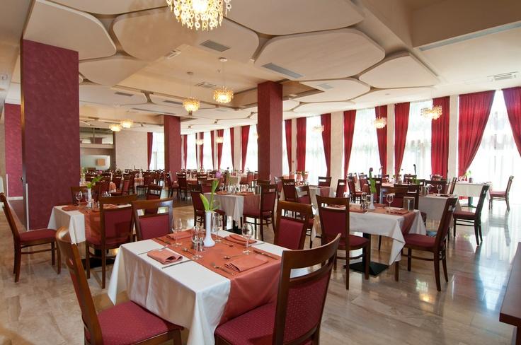 AKANTUS Restaurant