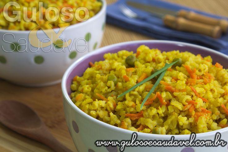 """Não é fã de arroz integral? Que tal preparar """"disfarçado"""" esse delicioso Arroz Integral ao Curry para o #almoço?  #Receita aqui: http://zip.net/bln2hW"""