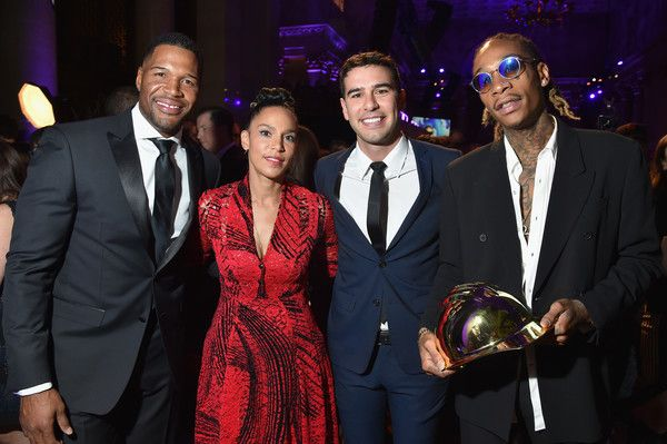 """Wiz Khalifa Photos Photos - (L-R) Michael Strahan, Grace Raymond, Adam Braun, and Wiz Khalifa attend Pencils of Promise 6th Annual Gala """"A World Imagined"""" at Cipriani Wall Street on October 26, 2016 in New York City. - Pencils of Promise 6th Annual Gala 'A World Imagined'"""