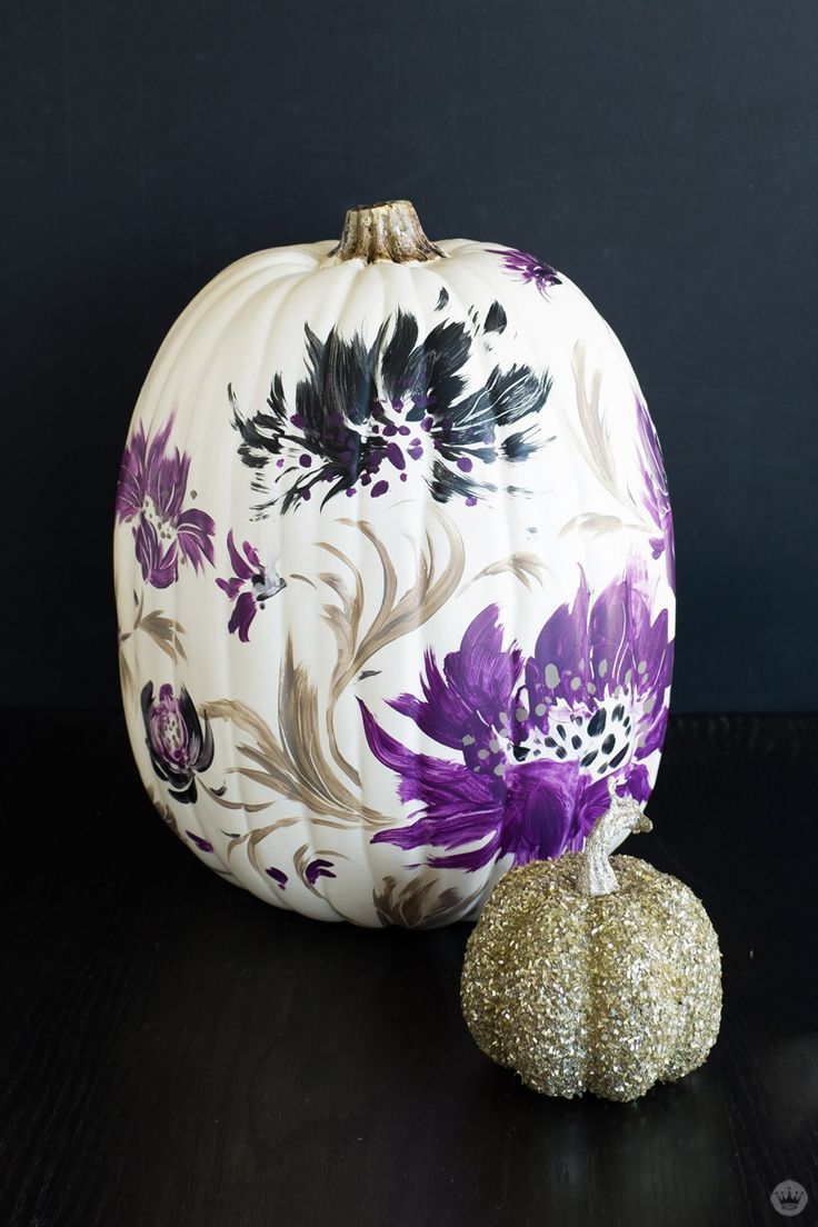 Not much of a pumpkin carver? That's okay. Here is a pumpkin idea packed with GLAM! Check out these DIY painted pumpkin by Hallmark artists. Turn those fall gourds into beautiful stylish decor for your front porch! Click though to get inspired and be sure to show us your stunning painted pumpkins! Fun for every age!
