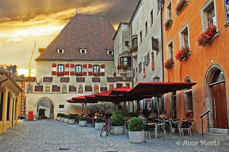 Hall in Tirol – The old town of Hall is one of the world's largest preservedensembleof historical buildingsand the largest in Western Austria..It is situated in the Inn valley, about 5 k…