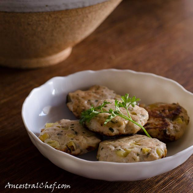 Guest Post: #paleo Chicken and Apple Breakfast Sausage