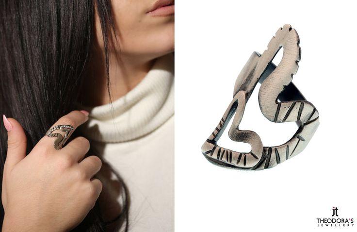 Χειροποίητο ασημένιο δαχτυλίδι καρδιές από οξειδωμένο ασήμι 925ο.  - Handmade silver hearts ring, made of oxidized silver 925o.