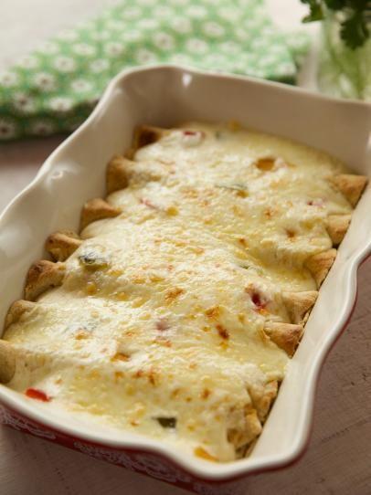 White Chicken Enchiladas Recipe In 2018 Chicken Dinners